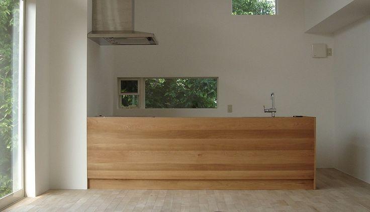 ナラ無垢材とステンレスを使ったアイランドキッチン