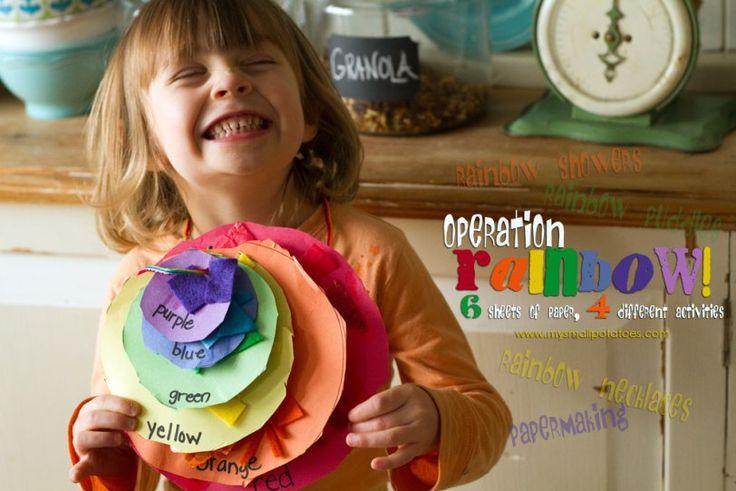 4 geweldige regenboog activiteiten: knippen en plakken in de juiste kleur, stukjes scheuren, ze in het water doen en er papier mee maken!
