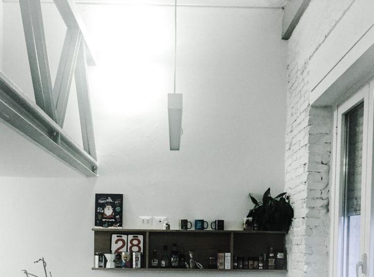 Progetto di Ristrutturazione Globale e Progettazione degli Interni di un attico a Massa (MS) | Renovation and Interior Design of an Attic #white #concrete #loft #brick #light #living #cinema #chair #resin #industrial #danese