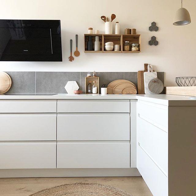 Ikea-Hack | Teppich küche, Küche ohne hängeschränke