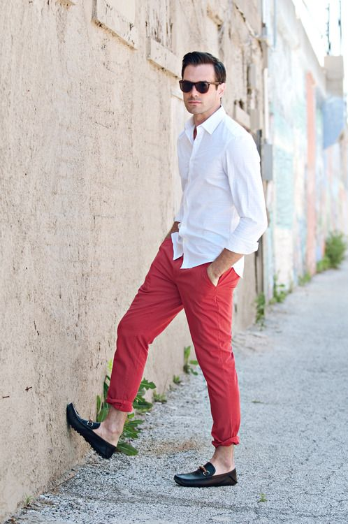 Jan 15,  · Should a grown man ever wear red trousers? From Will Smith to Lionel Messi, red trousers get a bad press (red suits even more so). It takes .