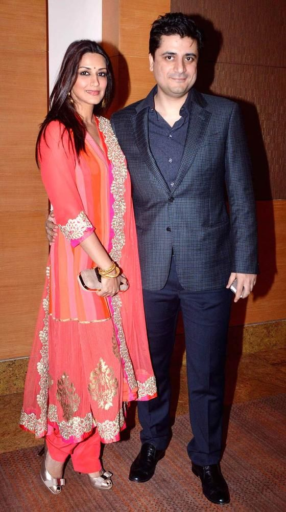 Sonali Bendre and hubby Goldie Behl at the first Yash Chopra Memorial Award. #Bollywood #Fashion #Style #Beauty