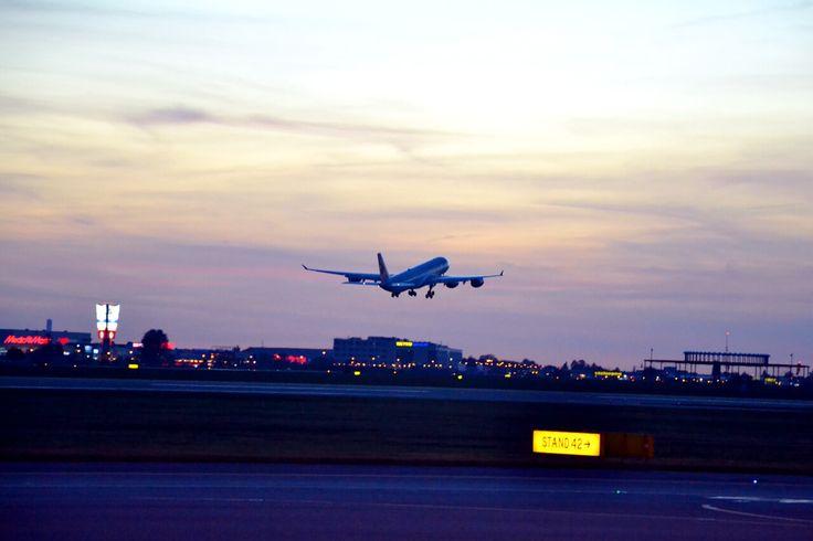 #lecebochce #aviation #avgeek #flywaw #wawspottersday #qatarairways #airbus #A340