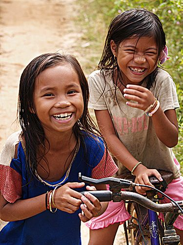 donkhonggirlsportraitgiggli   girls on Don Khong Island, sou…   Flickr