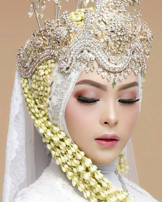 Natural Makeup Look Makeup By Endenf Nurdina Kerudung Pengantin Pengantin Wanita Pose Pengantin