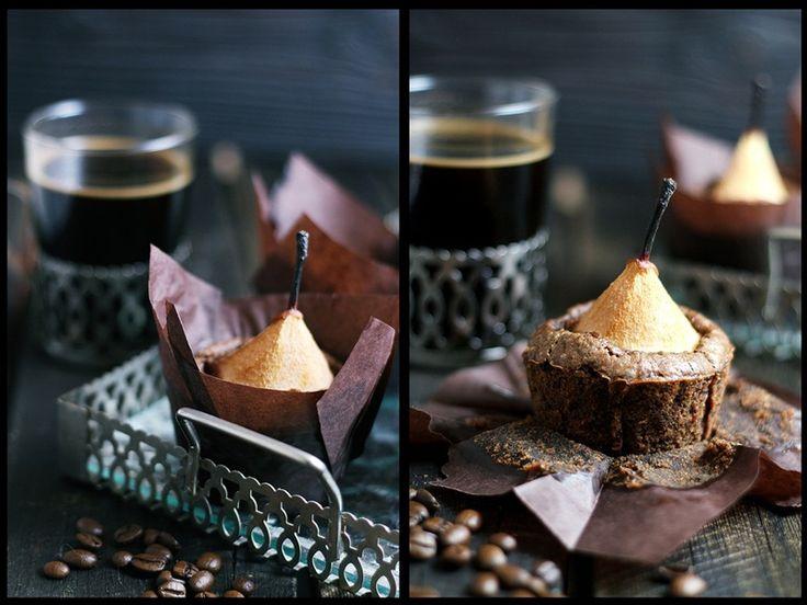 Gruszki w cieście czekoladowo cukiniowym