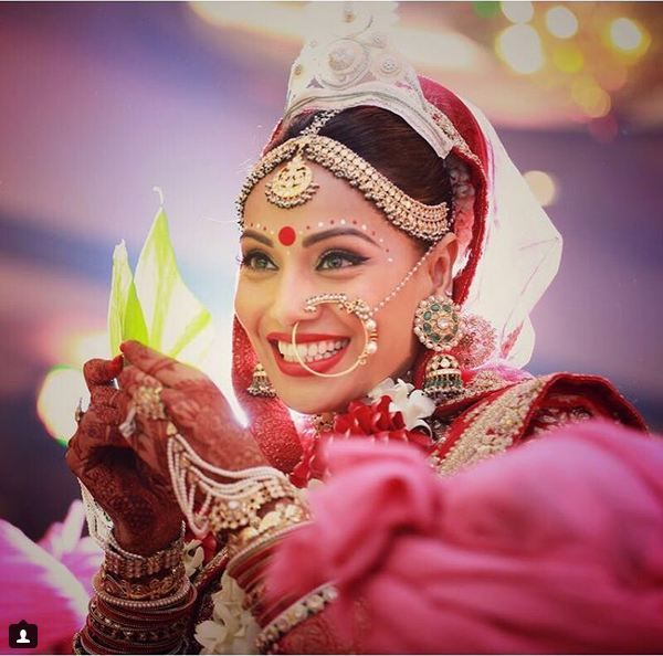 5 Gorgeous Looks of Bipasha Basu From Her Wedding That Every To-Be Bride Can Take Inspiration From - BollywoodShaadis.com
