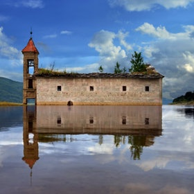 Flooded church - MacedoniaAbandoned Churches, Old Church, Castles, Buildings, Lakes, Beautiful Abandoned, Macedonia, Berlin Germany, Abandoned Places