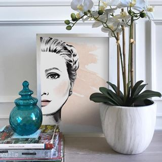 Sunday dreaming... our la femme illustrative art print brings a touch of Hollywood glamour to any interior space... #sundaylove #dreaming #gorgeousgirl