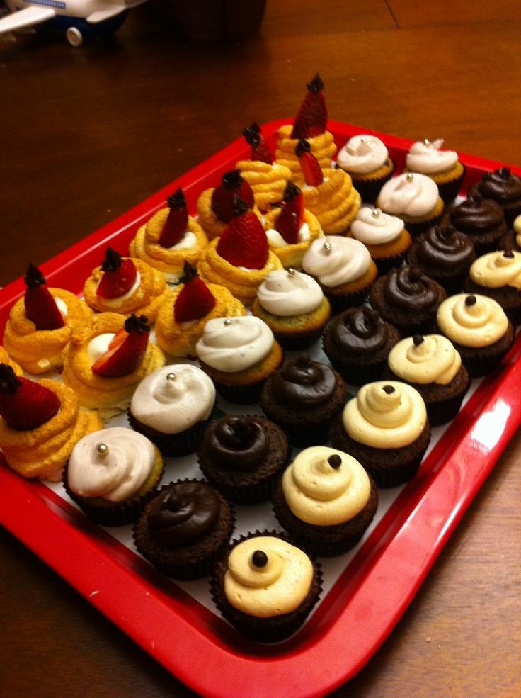 Lovely dessert ! Strawberry meringue whipping cream, Blueberry chesse cream cupcake, Dark chocolate cupcake, Peanut butter cupcake~ by Jennifer