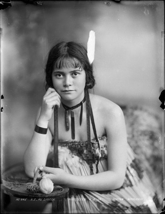 Young Maori woman with poi, 4 June 1904