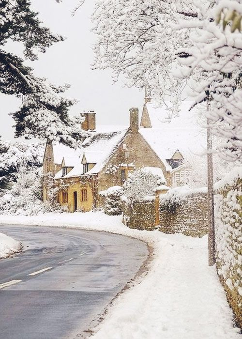 follow me @cushite 14 Images of Enchanting Christmastime Inspiration :: This is Glamorous                                                                                                                                                      More