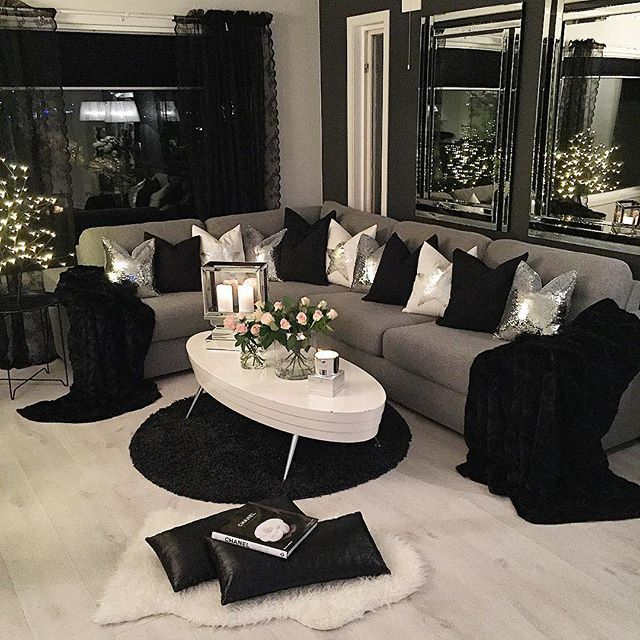 Black & white living room decor @KortenStEiN - 25+ Best Ideas About Black Living Room Furniture On Pinterest