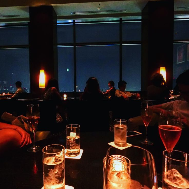 10 Bars with Fantastic Night View in Shinjuku/Shibuya Area |  Located on the 40th Floor of Cerulean Tower Hotel with 95 seats, Bellovisto offers a spectacular view of Tokyo that looks over Yoyogi Park, Shinjuku sub-center of Tokyo, Meiji Jingu, Tokyo Tower and Mt. Fuji. The combination of Bellovisto's fantastic view, more than 200 wines and elegant dishes will guarantee the best night out in Tokyo.