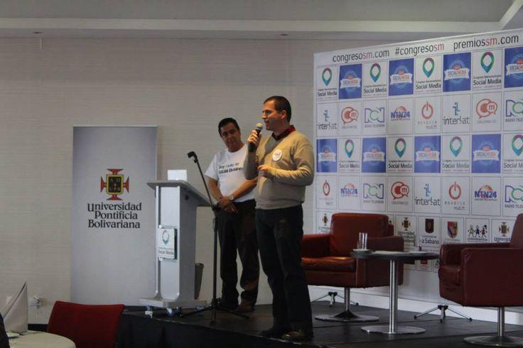 Juan Batista, representante de la fundación COLOMBIANITOS (Programa apoyado por el Congreso) y Luis Carlos Chaquea en el lanzamiento del II Congreso Iberoamericano de Social Media