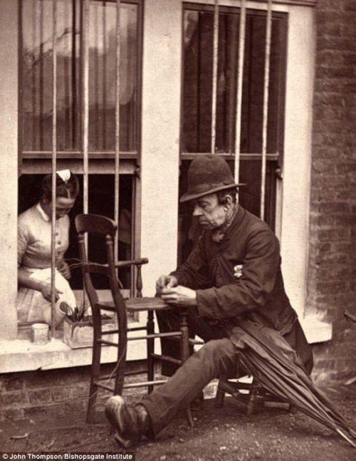 Street life in 1870s Victorian London