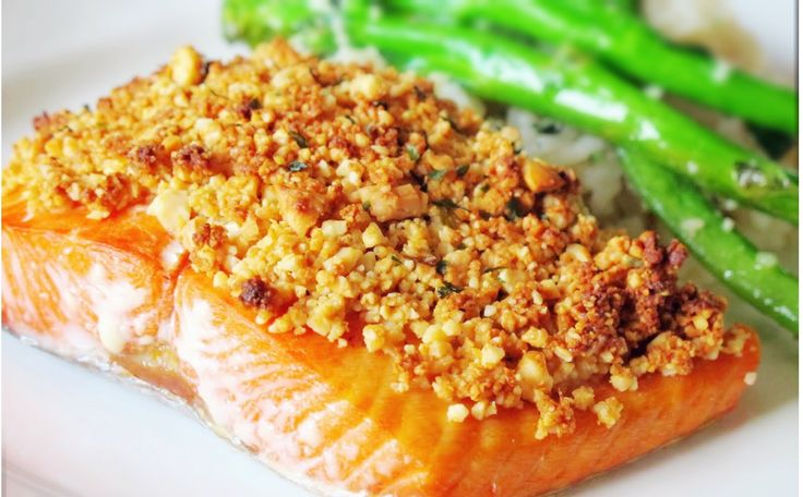 Garlic Cashew Crusted Salmon | 1mrecipes