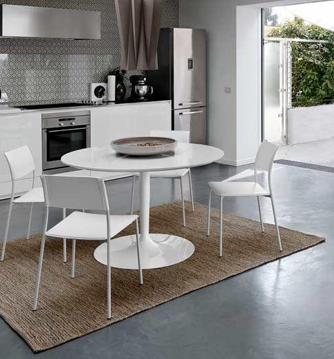Corona table by Domitalia