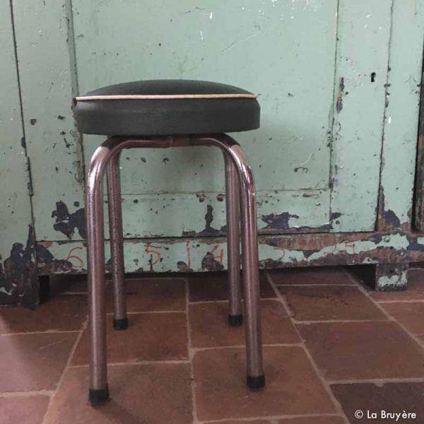 1000 id es sur le th me tabouret vintage sur pinterest tabourets petites tables basses et. Black Bedroom Furniture Sets. Home Design Ideas