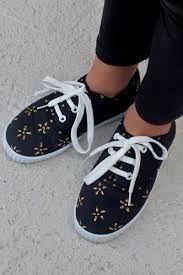 Resultado de imagen para zapatillas pintadas a mano