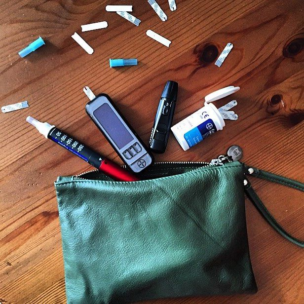 My awesome @beliyabags clutch has the perfect size to hold all of my diabetes supplies.  onnepe