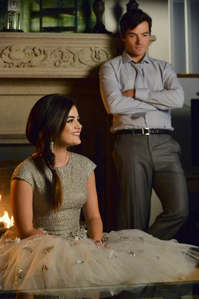 "#PLL 5x13 ""How the 'A' Stole Christmas"" - Aria and Ezra"