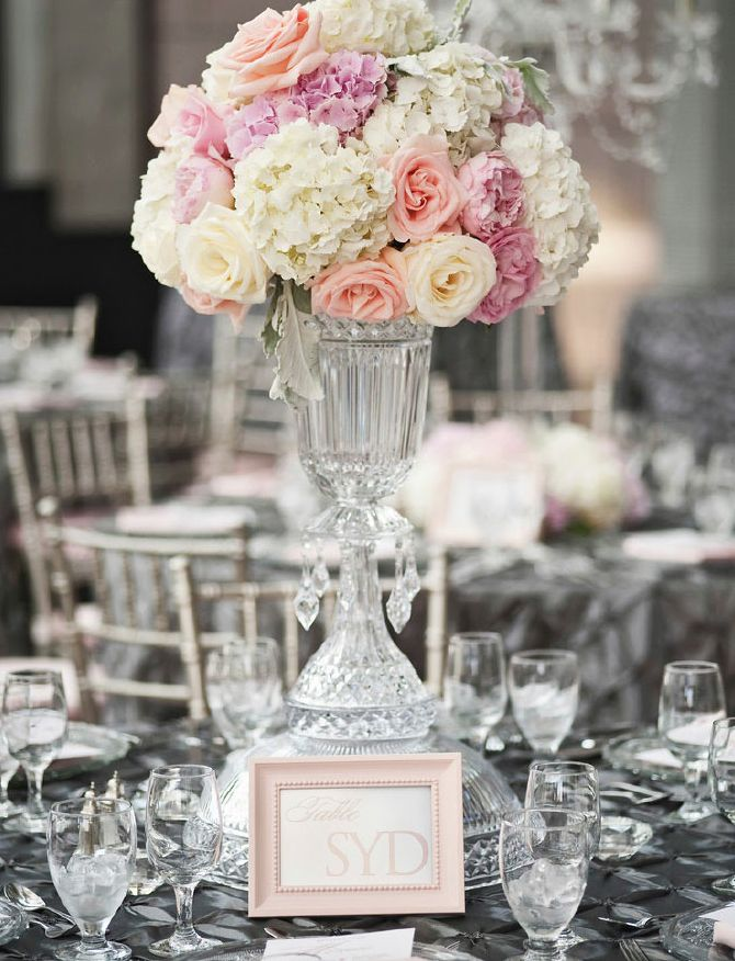 10 best images about tall centerpieces on pinterest for Wedding reception centrepieces