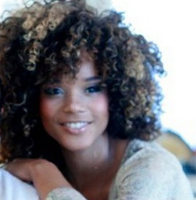 chunky highlights for this curly girl...luv it!