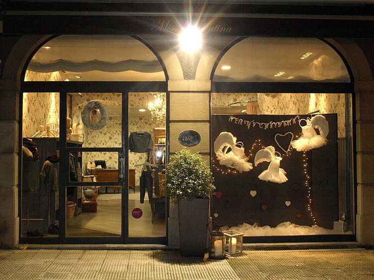 Escaparate navidad 2013 escaparates con encanto - Ropa vintage sevilla ...
