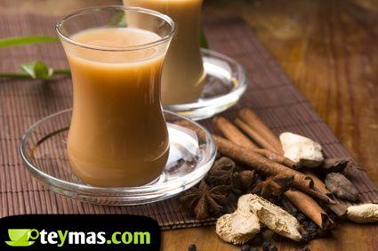 Cuáles son los mejores tés o tés ideales para tomar con leche. Diferentes variedades de té negro y té rojo Pu Erh que combinan bien para tomar con leche.