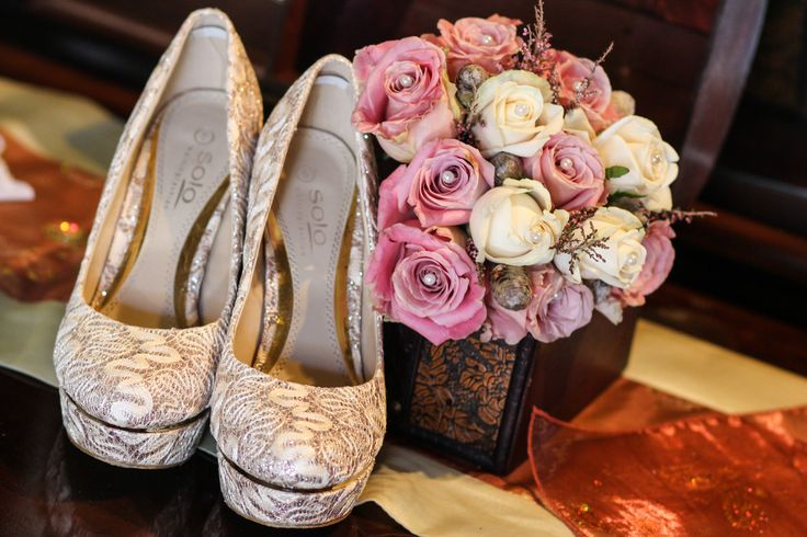 Elegant Bouquet and high heels for a classy bride.