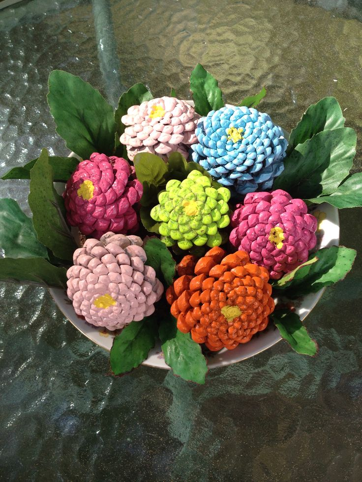 Acrylic painted pine cones look like zinnias . | All ...