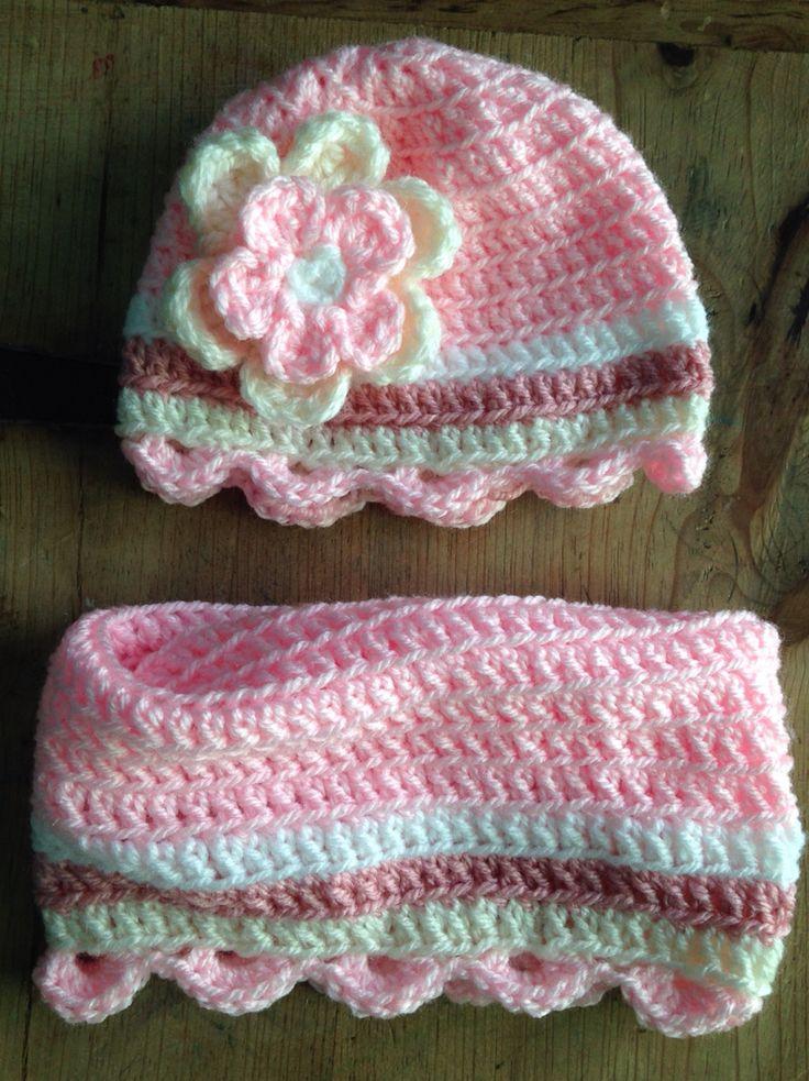Gorro a crochet todo varetas altas con bufanda cuello a for Manualidades con madera vieja