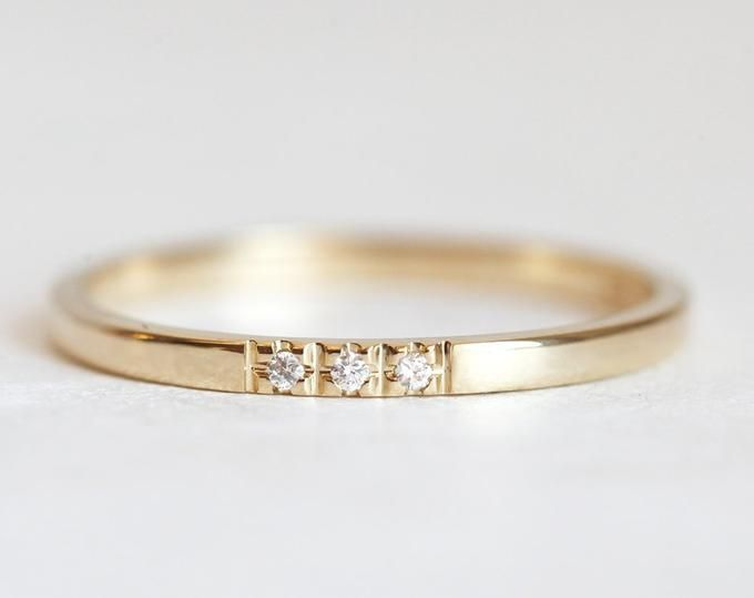Rose Gold Diamond Wedding Band With One Diamond Minimalist Etsy In 2020 Rose Gold Wedding Band Diamond Gold Diamond Band Rose Gold Diamond Band