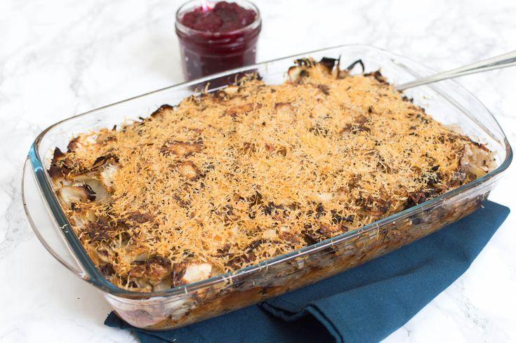 Recept voor kaalilaatikko, een Finse ovenschotel met witte kool, rijst en gehakt. Een heerlijk winters en budgetproof gerecht.