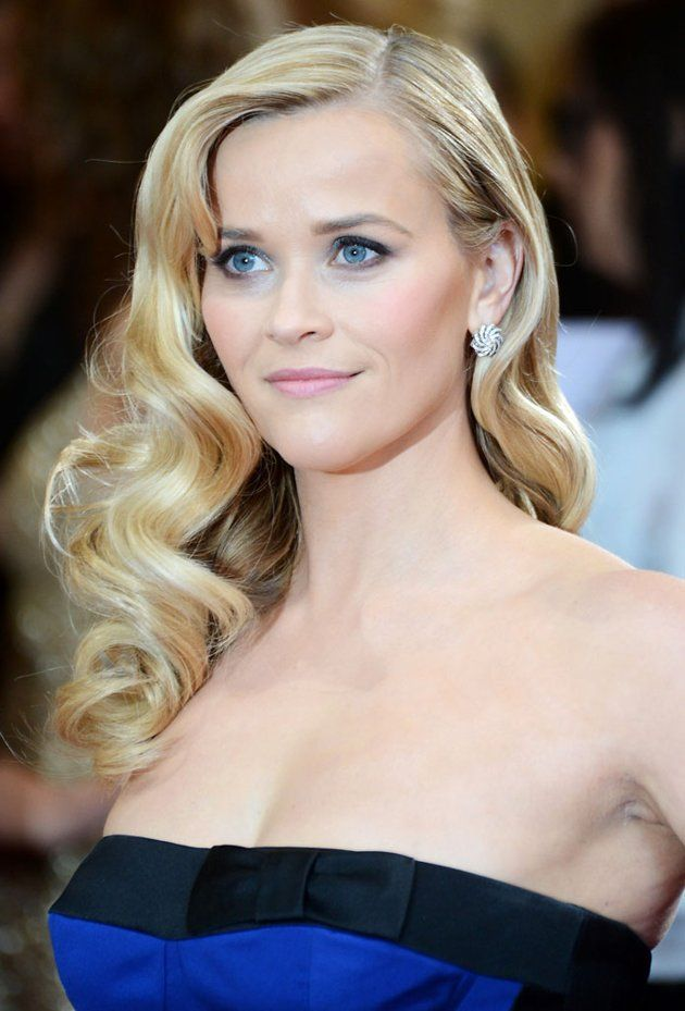 And the award for best hair goes too... #reesewitherspoon #oscars #starlet #waves