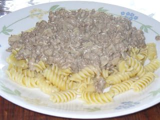 Smack Your Mama Good!: Easy Stroganoff. Really good, easy fast meal. It's like a homemade Hamburger Helper!