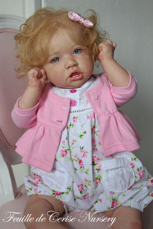 Feuille de Cerise Nursery-bébé reborn toddler poupée Saskia par Bonnie Brown