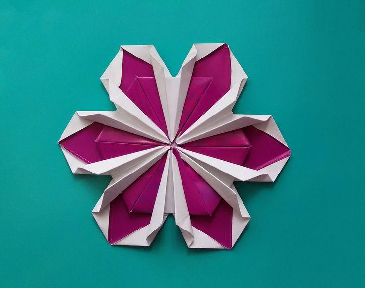 Origami flower ! Not very easy but rich! (by Zoryana Sonsyadlo ). House ...