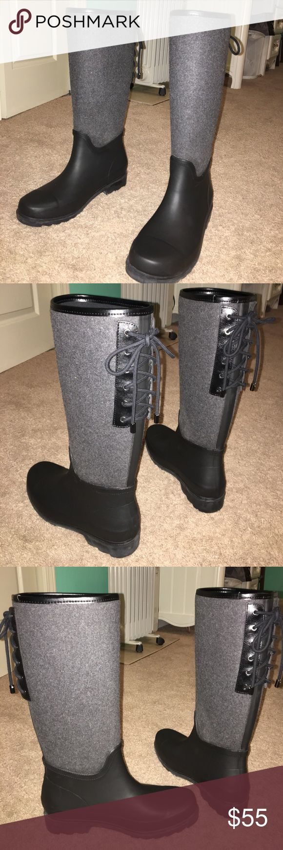 Women's rain boots Black matte rubber with a wool, gray leg and black tie-up in the back!! Only worn 3 times. Very comfortable. Will take reasonable offers Nine West Shoes Winter & Rain Boots