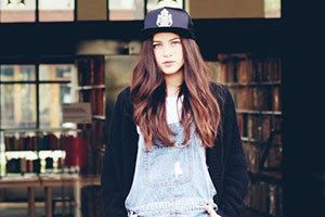 How to Look Girly When You're Trying the Tomboy Trend
