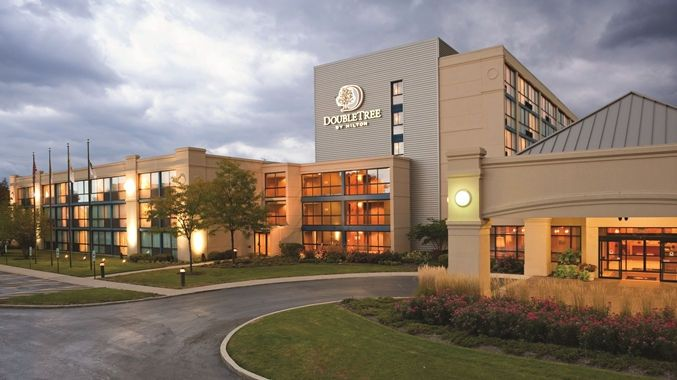 Doubletree Hotel Chicago - Arlington Heights, IL - Exterior  |  IL 60005