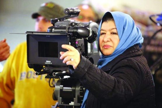 Pourān Derakh'shandeh (Persian: پوران درخشنده) (born 27 March 1951 in Kermanshah, Iran) is an Iranian film director, producer, screen writer, and researcher