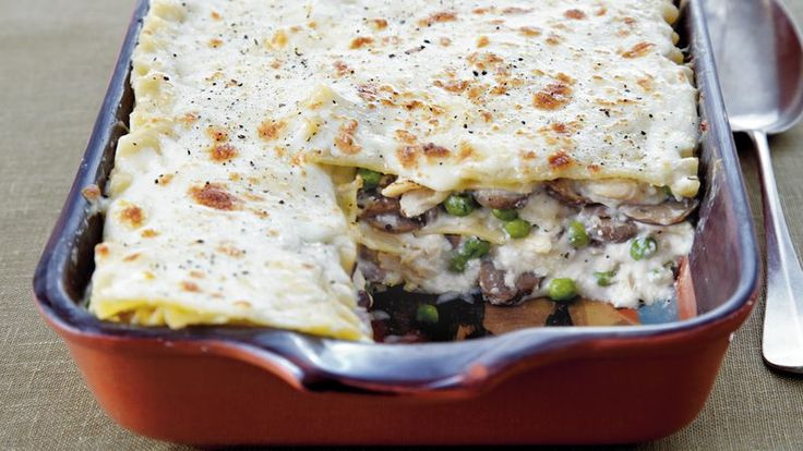 Looking for a delicious Italian dinner? Then check out this cheesy turkey lasagna that's made using Progresso® bread crumbs, sweet peas and mushrooms.