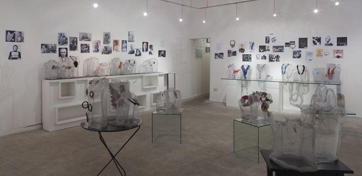"""allestimento per mostra """"riempi il vuoto"""" galleria terre rare, 2012, foto m. monti"""