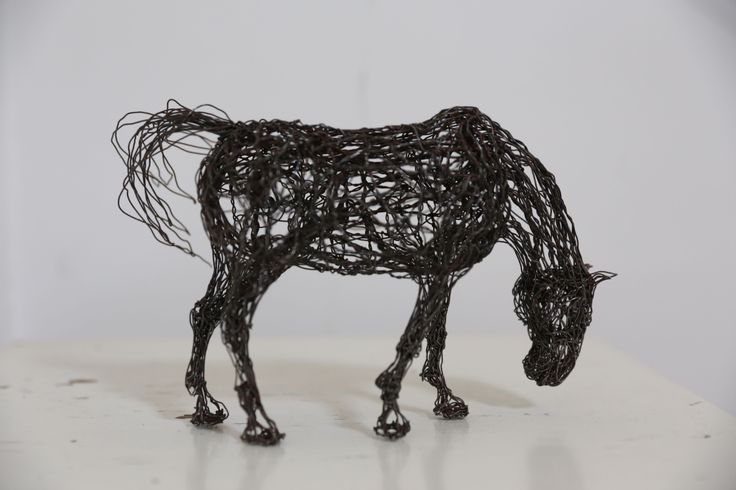 equine wire sculpture, by sudakworkshop