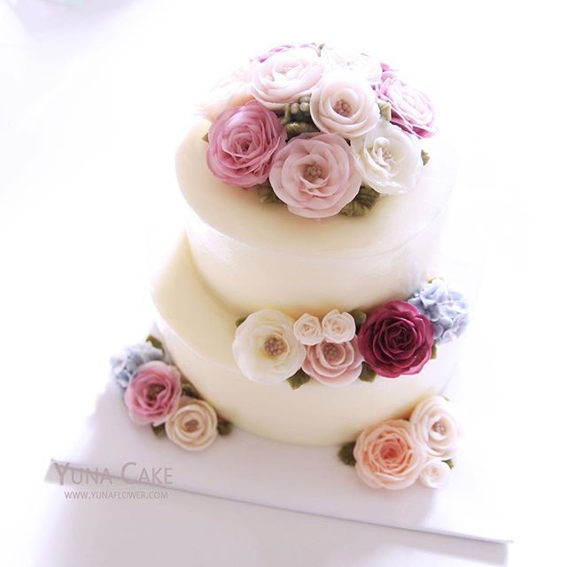 wedding cake images pictures best 25 2 tier cake ideas on colourful cake 22953