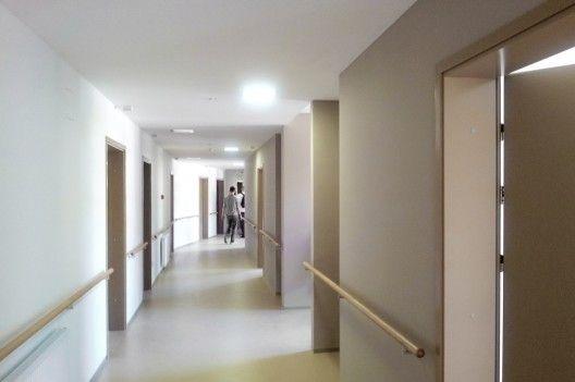Home for the Elderly / Ravnikar Potokar Arhitekturni (11)