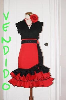 TRAJES DE FLAMENCA KIKA: Falda Flamenca Alta Roja y Negra Calada con cordoncillo.