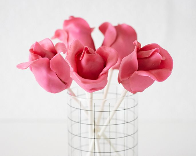How to Make a Rose Cake Pops • CakeJournal.comPop Tutorials, Rose Tutorial, How To Make Rose Cake Pop, Birthday Cake Pop, 2Aa Cakepopscupcak, Cake Decor Tutorials, Cake Tutorials, Cake Decorating, Rose Ccakepop